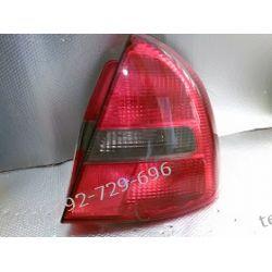 Mitsubishi Carisma prawa lampa tył, klosz pęknięty u dołu