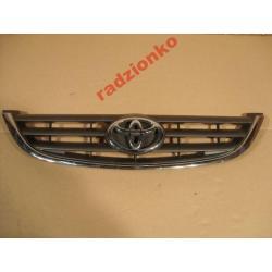 Atrapa Toyota Avensis 00-01