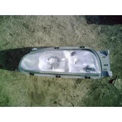 Lampa prawa do Mazda 121 1996-1999 Zderzaki
