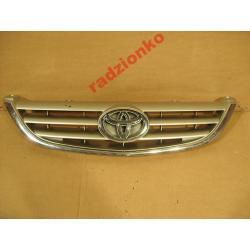 Atrapa przednia Toyota Avensis 2000-2002