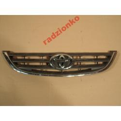 Atrapa przednia Toyota Avensis 2001-2002