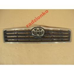 Atrapa przednia Toyota Avensis 2003-2006