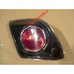 Lampa tylna wewnętrzna lewa Mazda 3 Sedan 03-07