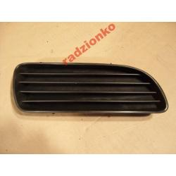 Zaślepka halogenu prawa Toyota Corolla 2000-2001 6