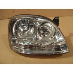 Reflektor prawy Nissan Almera Tino 2001-...