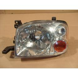 Reflektor przedni lewy Nissan Navara 2001-2004...