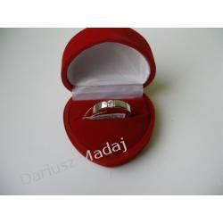 Pierścionek z diamentem 0,23 ct ze złota białego 0,585