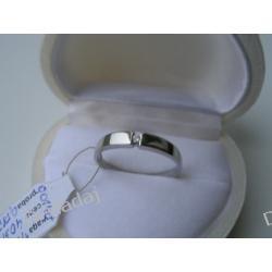 Pierścionek z białego złota 0,585 z diamentem 0,0144 ct F/SI