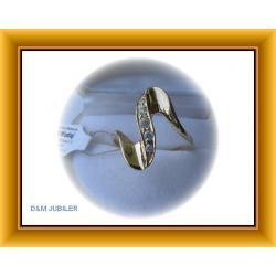 Złoty pierścionek z cyrkoniami ze złota 0,585