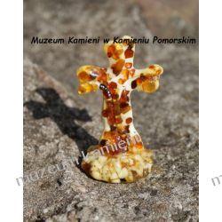 Krzyż - rzeźba z bursztynu zatopionego w żywicy FBUR14 Kolczyki