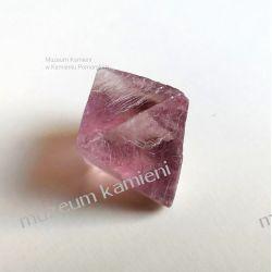Kryształ fluorytu MIN02