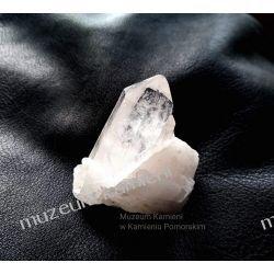 Piękny kryształ górski minerały