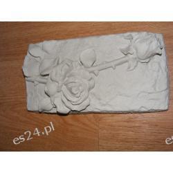 Płaskorzeżba-dwie róże Figurki