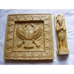 Płaskorzeżba egipska skarabeusz + gratis Figurki