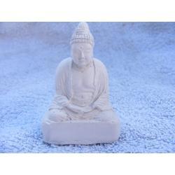 Budda medytujacy na podeście Figurki