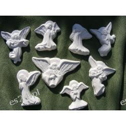zestaw ośmiu aniołków Figurki