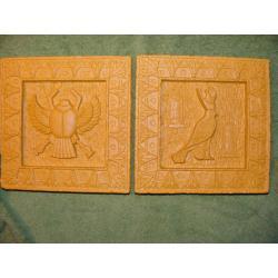 Płaskorzeżby egipskie skarabeusz i  ibis Figurki