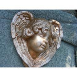 Duży anioł Rzeźba
