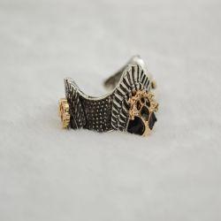 Pierścień Aragorna z Władcy Pierścieni.