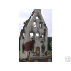 Fasada domu-ruina Modelarstwo
