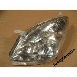 Reflektor lewy Toyota Corolla Verso 2002-2004