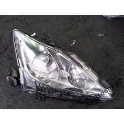 Reflektor prawy Lexus IS 2005- xenon