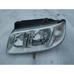 Reflektor przedni lewy Hyundai Matrix rok 2006-
