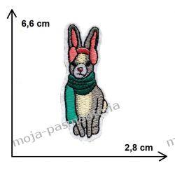 APLIKACJA, NAPRASOWANKA -KRÓLIK SZALIK ZIMA -6,6x2,8cm Rękodzieło