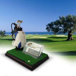 Przybornik golfisty na biurko w tematyce golfowej