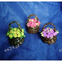 Śliczne miniaturowe kosze z różami