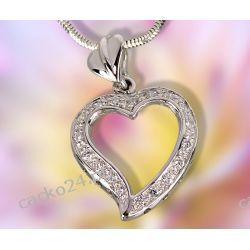 Delikatny wisiorek srebrne serce z białymi cyrkoniami