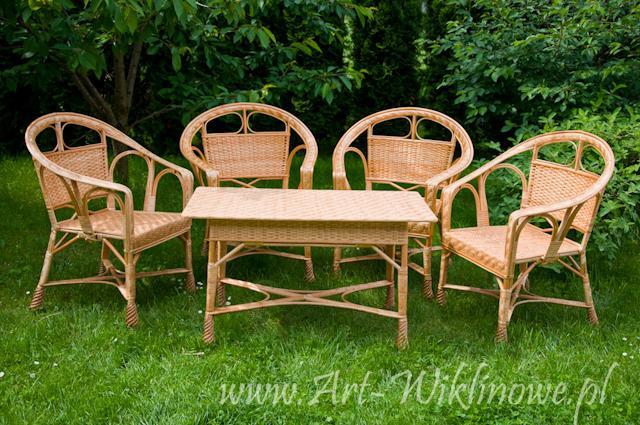 Meble Ogrodowe Z Wikliny Stol I Cztery Krzesla Na Bazarek Pl