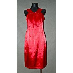 czerwona sukienka z kołnierzykiem (42)