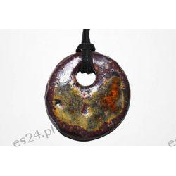 Ceramiczny wisiorek z gliny, kolor, rzemyk