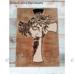 Ręcznie wypalany obraz z wizerunkiem Jezusa Chrystusa i krzyżem Rękodzieło