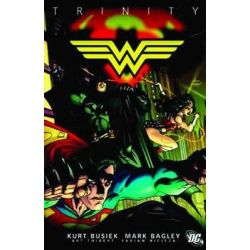 DC Comics : Trinity, Volume 3 by Fabian Nicieza, 9781401223571.