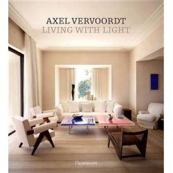 Axel Vervoordt, Living with Light by Axel Vervoordt, 9782080201591.