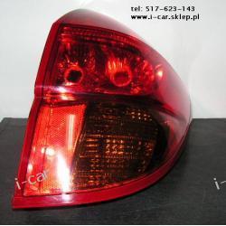 Toyota RAV-4 RAV4 prawa lampa tył