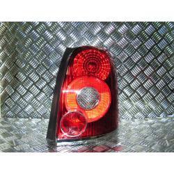 Toyota AVENSIS kombi prawa lampa combi