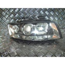 Audi A4 XENON prawa lampa ORYGINA