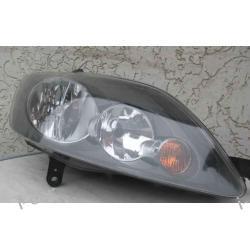 VW GOLF 5 PLUS PRAWA LAMPA