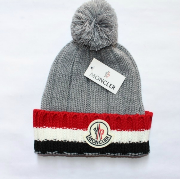 czapka zimowa moncler