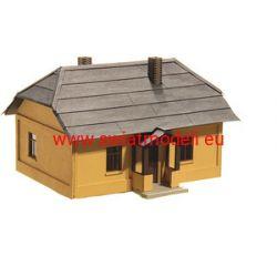 Dom wiejski dworkowy KoTeBi KTB087456 Globusy
