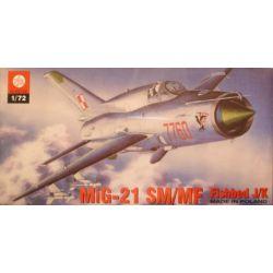 105 Mig-21 SM/MF Fishbed J/K, ZTS PLASTYK skala 1:72