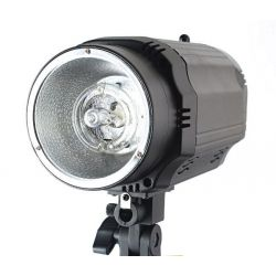 Lampa błyskowa o mocy 230Ws, model GE-230 Wwa