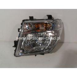 Reflektor lewy Nissan Navara 2005-...
