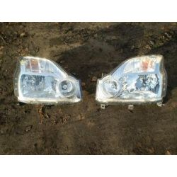 Komplet lamp przednich Nissan X-Trail 2007-2010