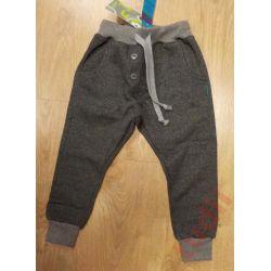 Gaffa G7296 ciepłe spodnie dresowe baggy 128 cm