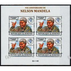 Burundi 2013 ark 3277B ** Nelson Mandela Nobel (4)
