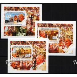 Gwinea 2009 Mi 6678-80 B Deluxe ** Jan Paweł II Papież Filatelistyka